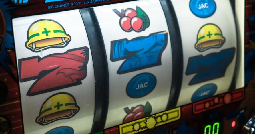 Người chơi Poker Tiền Núi Challenge By Microgaming