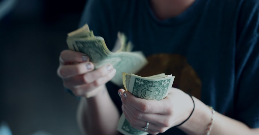 Cách các sòng bạc lừa người chơi để tiêu nhiều tiền hơn