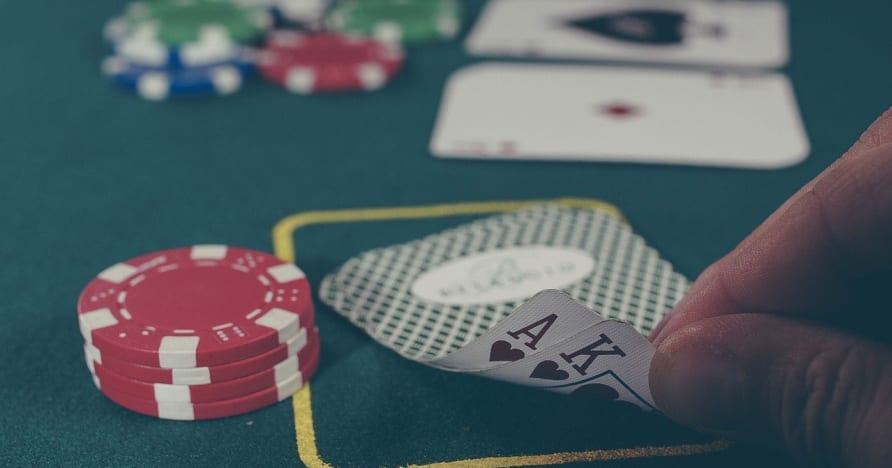 Poker trực tuyến- kỹ năng cơ bản